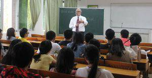 Brad Born talks with students in Guanzhou, China.  Photo provided by Brad Born.